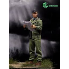 WW2 German Panzer Officer 1/35