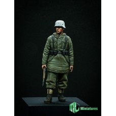 WW2 SS Grenadier (1) 1/35