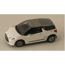 Citroen DS3 racing white Auto's