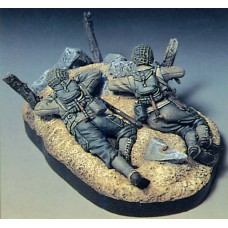 Crawling to Normandy 1/35