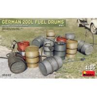 German 200 liter fuel drum set 1/35
