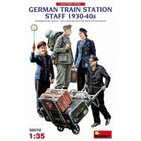 German train station staff 1/35