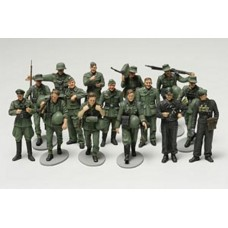 WWII german infantry on maneuvres 1/48