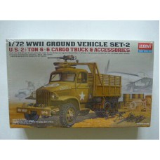US 2,5 ton 6x6x cargo truck and accessories 1/72