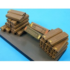 17pdr steel ammunition boxes 1/35