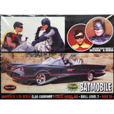 66 Batmobile with figures 1/25